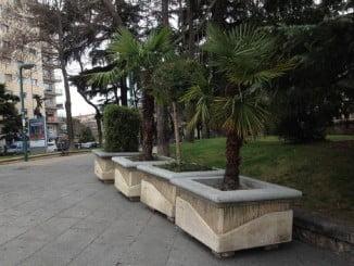 Muchas ciudades siguen la recomendación de Interior instalando maceteros y bolardos