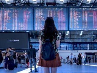 La huelga en el aeropuerto del Prat ha provocado retrasos e inconvenientes al usuario