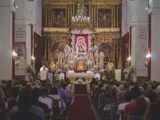 El templo parroquial de Las Angustias acoge cada día a numerosos fieles