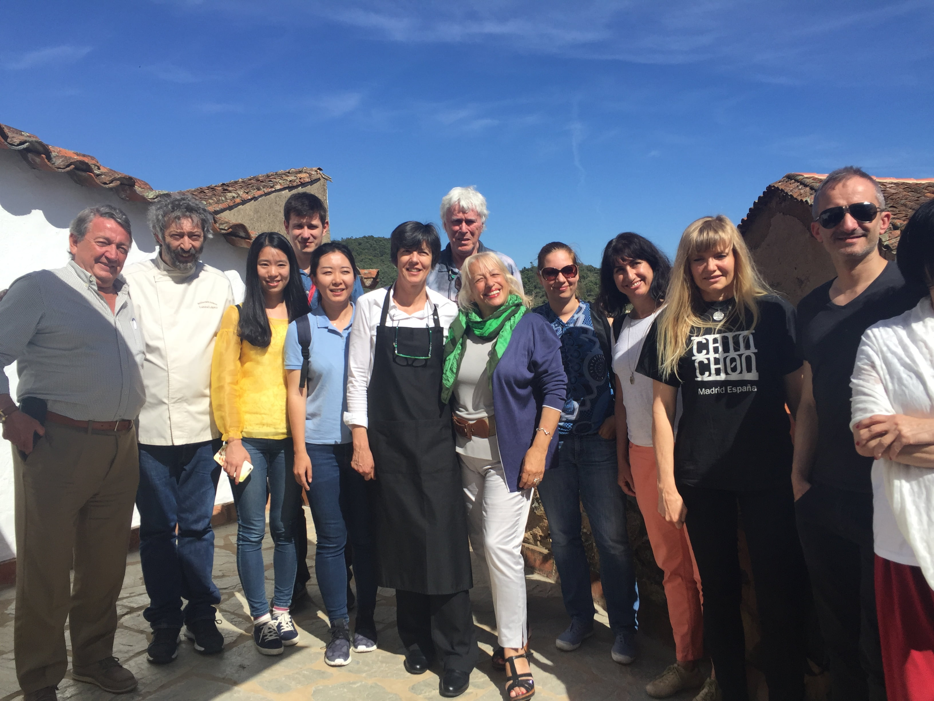 Profesionales de los medios de comunicación visitando la Sierra de Huelva