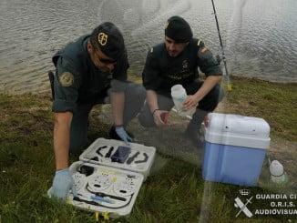 Agentes del Servicio de Protección de la Naturaleza de la Guardia Civil (Seprona)