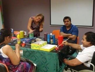 El Taller Arco Iris va destinado a personas con discapacidad intelectual
