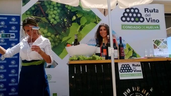 Huelva promociona sus vinos con catas en hoteles de la costa