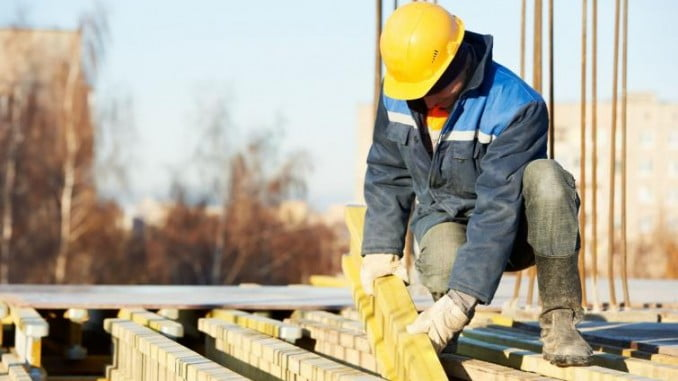 La Construcción registra la mayor bajada del coste laboral total