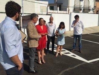 El delegado de Medio Ambiente y Ordenación del Territorio visita las obras de la mano de la alcaldesa almonteña.