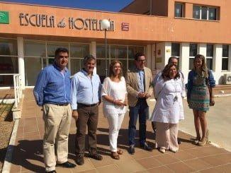 Visita Ruiz Sillero y cargos del PP de Huelva a la Escuela de Hostería de Islantilla.
