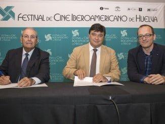 El alcalde de Huelva junto a los directores de la Fundación Atlantic Copper y del Festival de Cine