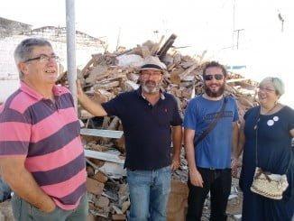 Los concejales de IU visitan la barriada Marismas del Odiel