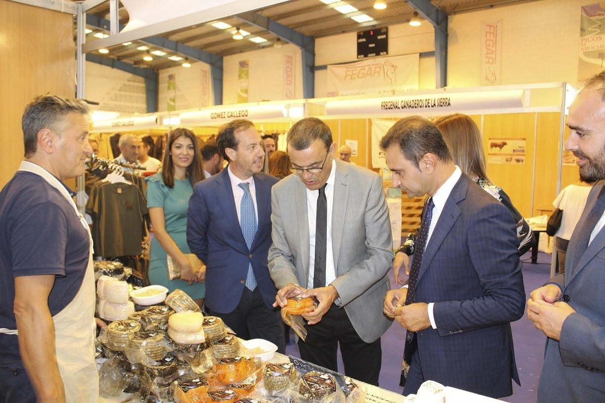 El presidente de la Diputación en la inauguración de la Feria Ganadera