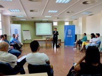 El concejal de Empleo, Jesús Manuel Bueno, inaugura uno de los talleres formativos