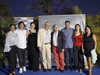 El homenajeado Jaime Chávarri junto a algunos invitados a la inauguración del festival