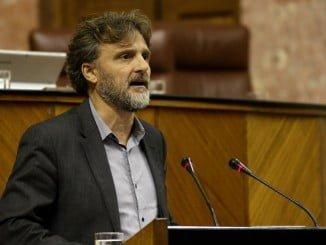 José Fiscal interviene en el Pleno del Parlamento andaluz