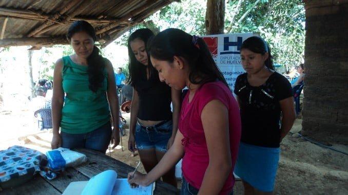 El objetivo del proyecto es disminuir los niveles de vulnerabilidad socioeconómica de los jóvenes
