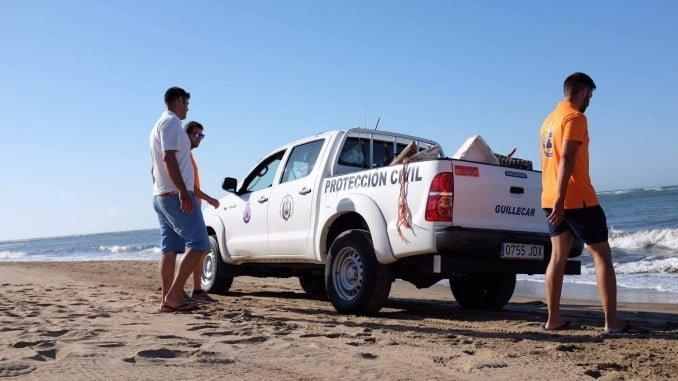 Hasta el próximo día 24 los equipos de Protección Civil estarán presentes en las playas de Isla Canela y Punta del Moral