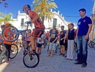 La actividad ha contado con la presencia del piloto de bike trial valverdeño Pablo Adame