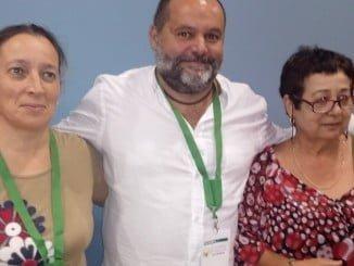 Rafael Sánchez Rufuo con dos delegadas tras ser elegido coordinador provincial de IU