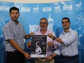 El alcalde de Valverde presenta el concierto solidario de Manuel Lombo