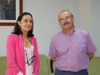 La subdelegada del Gobierno junto al nuevo jefe de la Unidad de Carreteras del Estado en Huelva