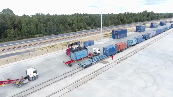 El Puerto y Renfe acuerdan potenciar el transporte de mercancías por ferrocarril