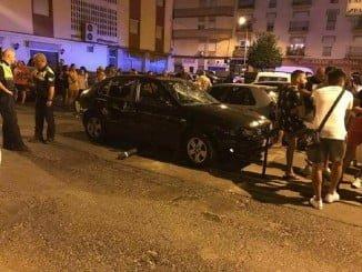 El vehículo atropelló a dos personas (Foto: Raúl Porras)