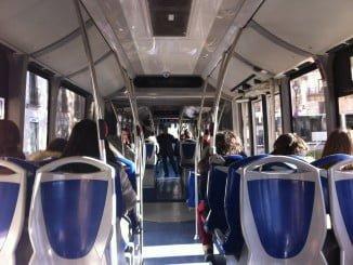 Viajar en autobús cuesta una media de 0,79 euros si se utiliza un bonobús o tarjeta recargable