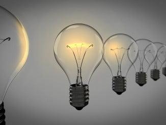 El aumento del recibo de la luz representará 3,81 euros para el usuario medio