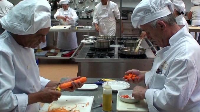 Los nuevos cursos del CEFO de Islantilla son de cocina y soldadura