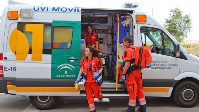 El 061 atendió al herido, que fue trasladado a un hospital de Huelva