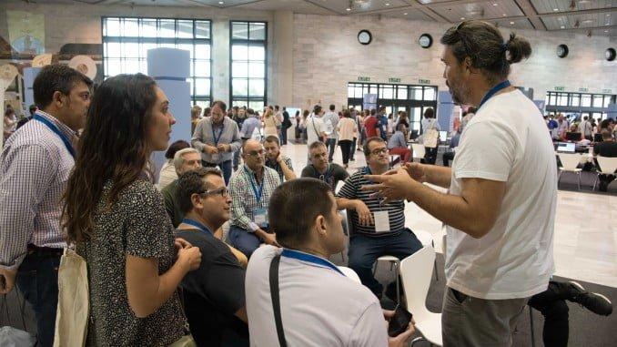 Un millar de personas han participado en talleres formativos, exposiciones, conferencias y debates sobre smart cities, turismo digital, etc.