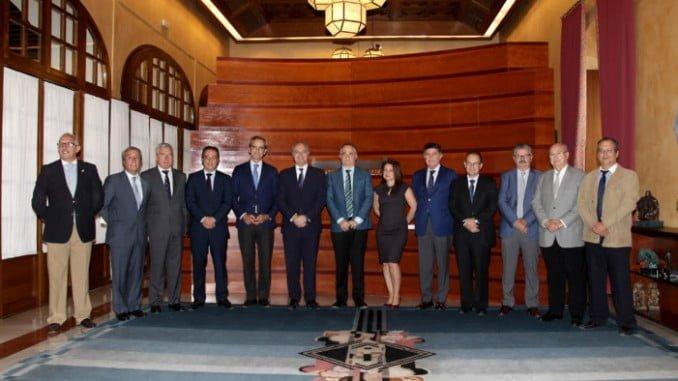 El CACOF junto al presidente del Parlamento de Andalucía, Juan Pablo Durán