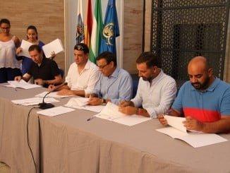 Igancio Caraballo en la firma del convenio para la financiación de las obras del Pfea