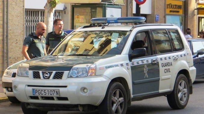 La Guardia Civil fue alertada por el casero del hallazgo de los dos cuerpos