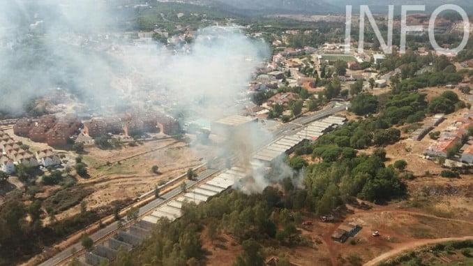 Vista aérea del incendio de Minas de Riotinto facilitada por el Infoca
