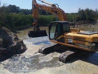 Se ha llevado a cabo  la extracción de la arena depositada en el vaso y en la desembocadura de los arroyos