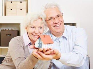 A los pensionistas se les va más casi dos terceras partes de su pensión en vivienda