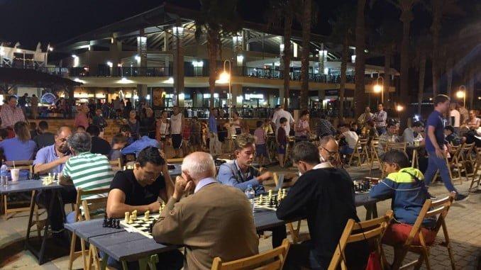 Magnífico ambiente en el último torneo del Circuito Nocturno de Ajedrez