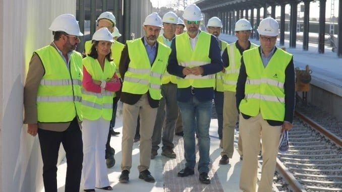 Grávalos acompaña a los miembros de la comisión técnica del Ayuntamiento y ADIF durante su visita a la nueva terminal ferroviaria