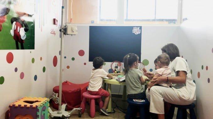 La zona de juegos del Juan Ramón Jiménez está destinada a niños con diabetes