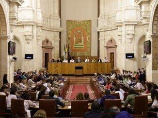 Imagen de la sesión plenaria en el Parlamento andaluz