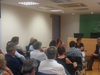 Reunión de trabajo entre la gerente del SAS y la Comisión para mejorar las listas de espera