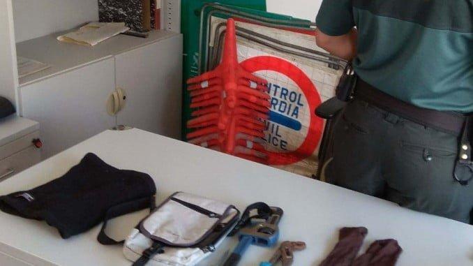 Algunos de los objetos incautados a los detenidos