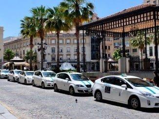Parada de taxis en la Plaza de las Monjas, en Huelva