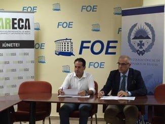El presidente del Colegio de Veterinarios, Fidel Astudillo, y el presidente de Bareca, Rafael Acevedo
