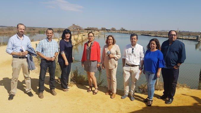 Carmen Solana en su visita al centro de cultivo acuícola Salinas del Astur