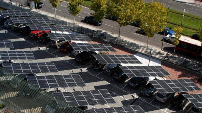 Invertir en ahorro energético no sólo beneficia a las arcas de las empresas sino que además supone un beneficio para el medio ambiente