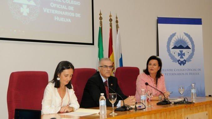 Tanto la Subdelegación del Gobierno como el Ayuntamiento de Huelva acompañaron al Colegio de Veterinarios en la fiesta de su patrón.