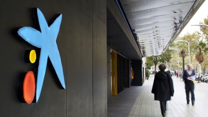 La decisión de los dos bancos catalanes de cambiar su sede social no se lo esperaban los separatistas.
