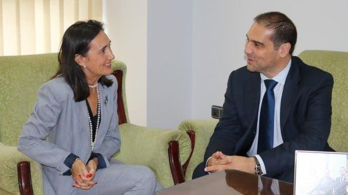 Grávalos se reúne con el nuevo presidente del Puerto de Huelva