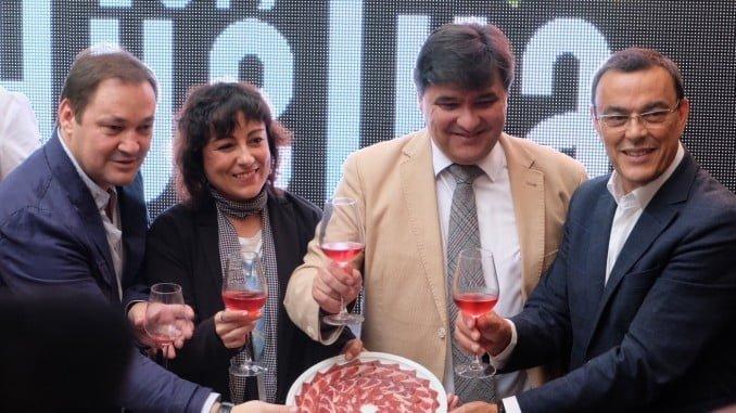 Autoridades celebran la designación de Huelva como Capital Española de la Gastronomía 2017