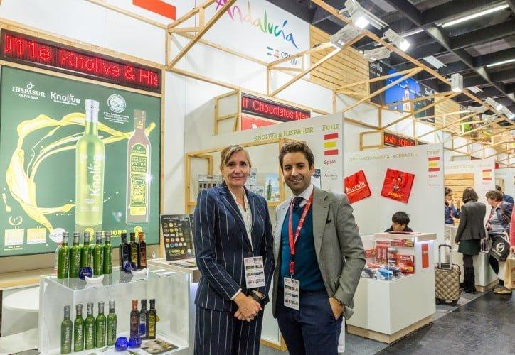 La consejera delegada de Extenda visita a las 91 firmas apoyadas por Economía y Conocimiento en un mercado donde Andalucía lidera las exportaciones, con 1.168 millones